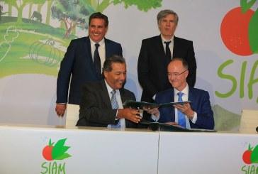 SIAM 2016 : Signature d'une  convention Groupe Crédit Agricole du Maroc et l'Agence Française de Développement