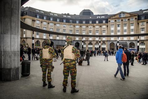 Militaires belges visés par Daesh : le ministre de la Défense appelle à ne pas céder à l'angoisse