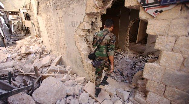 Syrie: trêve en sursis après des raids contre l'armée et sur Alep