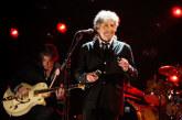 """Bob Dylan, """"icône"""" de la musique américaine, prix Nobel de littérature"""