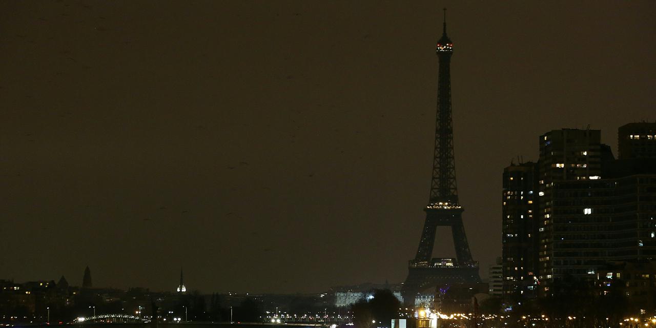 Paris : plusieurs blessés dans une forte explosion (IMAGES)
