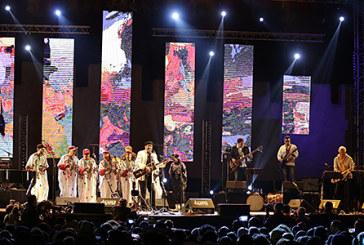 Le 20è Festival Gnaoua et musiques du monde: La fusion Bill Laurence et Khalid Sansi crée le dialogue par la musique