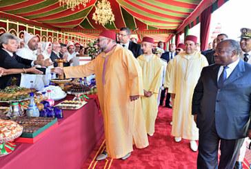 Vidéo : SM le Roi préside à Tanger une réception à l'occasion de la Fête du Trône