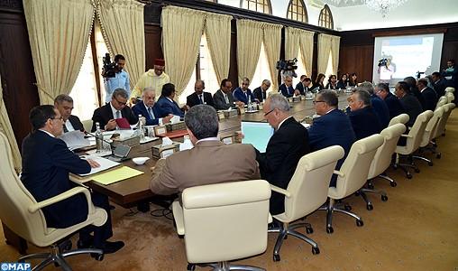 """M. El Othmani appelle à mettre en œuvre la devise de """"l'écoute et des réalisations"""" et à veiller à la bonne gouvernance des projets"""