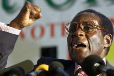 Zimbabwe : l'armée maintient le statu-quo et Mugabe refuse de plier ses bagages