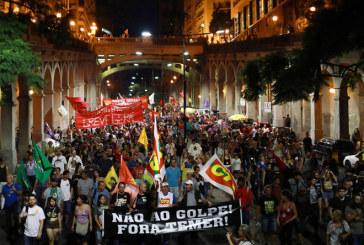 Des milliers de Brésiliens manifestent vendredi pour dénoncer le nouveau Code du travail