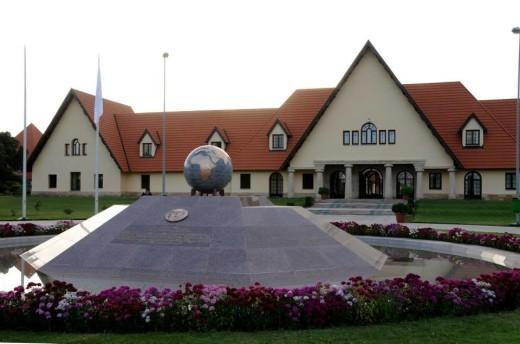 Al Akhawayn, première université non-américaine en Afrique à disposer de l'accréditation du prestigieux NEASC
