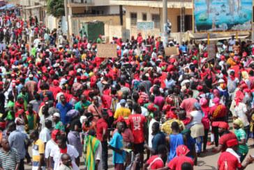 Le gouvernement togolais prêt au dialogue, l'opposition dans la rue