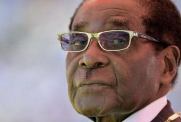 Zimbabwe: Mugabe s'attache au pouvoir et accentue la tension dans le pays