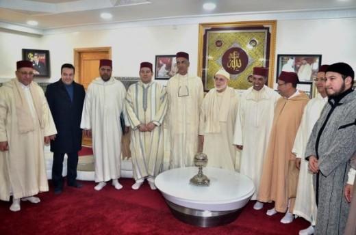 Remise d'un don royal à la Zaouia Kadiria Boutchichia à Madagh