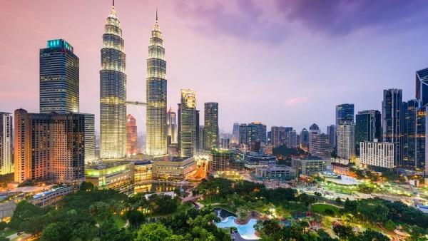 Quand la magie du Maroc illumine le ciel de Kuala Lumpur