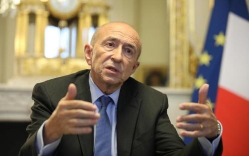 Projet de loi sur l'immigration et l'asile : le ministre de l'Intérieur reste ferme face aux critiques des associations