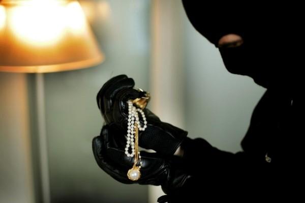 Braquage d'une bijouterie à Paris : un butin de 4,5 millions d'euros emporté
