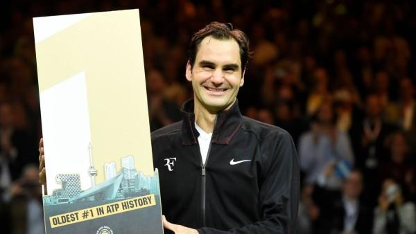 Le Suisse Roger Federer devient le numéro un mondial le plus âgé