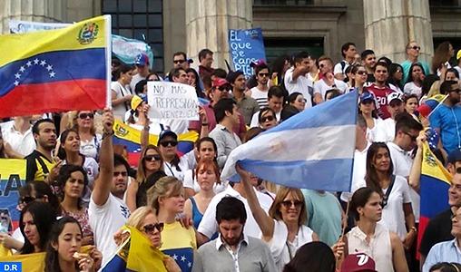 Celeste, César et Jonathan: des récits de Vénézuéliens ayant fui l'enfer