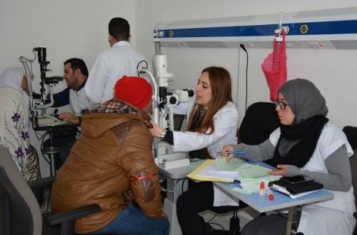 Vague de froid : Plus de 1.100 bénéficiaires d'une caravane médicale multidisciplinaire à Azrou