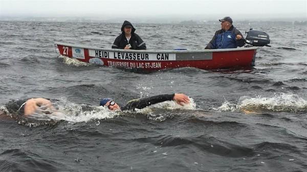 Relier le Sénégal et le Brésil à la nage, un défi audacieux tenté par une Canadienne