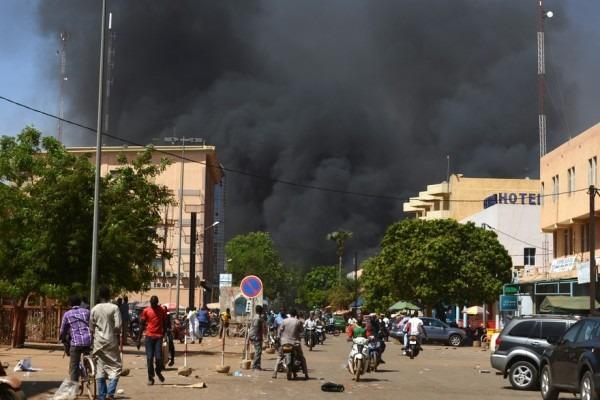 Burkina Faso : l'Etat-major des armées et l'ambassade de France visés par une attaque