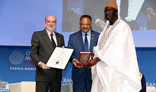 Le président du parlement de la CEDEAO reçoit à Dakhla le prix de la Fondation Crans Montana