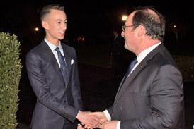 SM le Roi offre un dîner en l'honneur de l'ancien président français François Hollande
