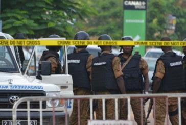 Entre feu et sang, retour sur les motivations de l'attaque terroriste qui a frappé le Burkina Faso