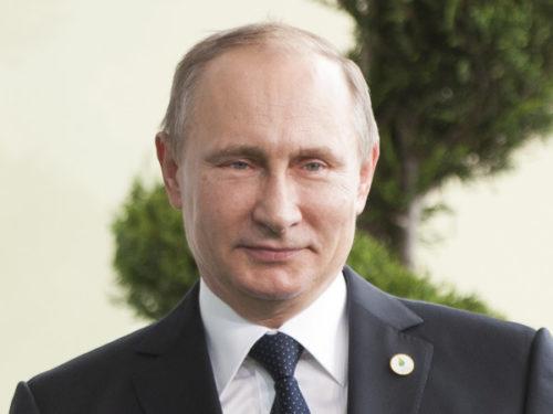 Vladimir Poutine largement en tête de la présidentielle