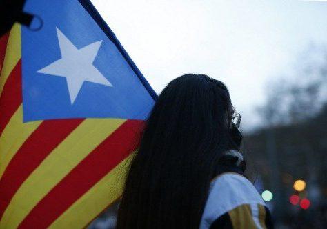 Catalogne: plusieurs routes bloquées par des manifestants pro-Puigdemont