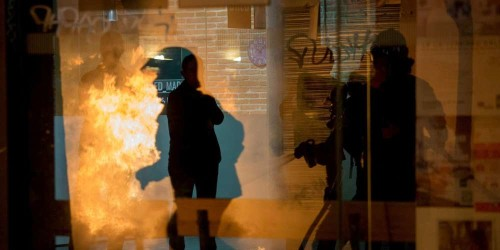 Affrontements avec la police à Madrid suite au décès d'un vendeur à la sauvette sénégalais