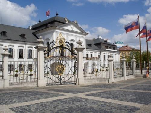 Le parlement slovaque approuve le nouveau gouvernement