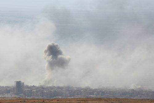 Syrie: 14 morts dans un raid aérien contre une base militaire