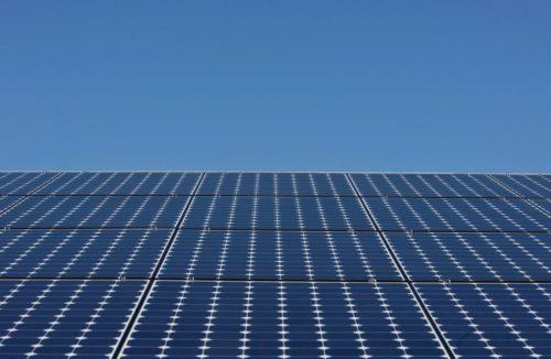 Le Finlandais Fortum installera le plus grand système solaire de toiture en Europe du Nord