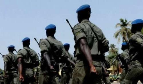Pas moins de 8.160 civils ainsi que 3.949 militaires et paramilitaires vont prendre part, mercredi à Dakar, au défilé commémorant le 58e anniversaire de la fête de l'indépendance du Sénégal, ont indiqué des sources sécuritaires. Neuf aéronefs, 385 véhicules, 94 motos, 75 chevaux et 25 quads seront également mobilisés pour ce défilé qui va se dérouler sur le Boulevard du général de Gaulle, précise-t-on auprès de la Direction des relations publiques des forces armées (DIRPA). Les festivités marquant l'anniversaire de l'indépendance du Sénégal, qui seront présidés par le chef de l'Etat Macky Sall, se tiendront cette année sous le thème