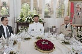 SAR le Prince Moulay Rachid a présidé, lundi 14 mai, au Cercle Mess-Officiers de Rabat, le déjeuner offert par Sa Majesté le Roi, à l'occasion du 62ème anniversaire de la création des Forces Armées Royales
