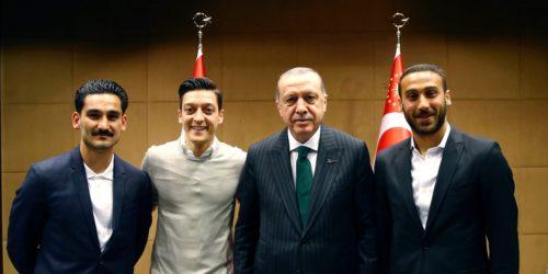 Özil et Gündogan fustigés pour une photo avec Erdogan