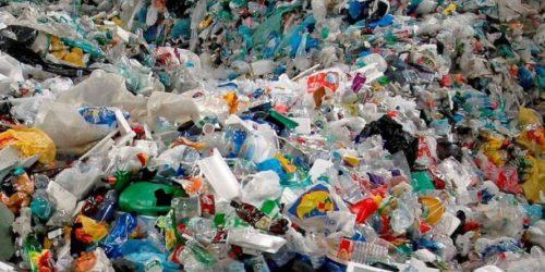 Pollution marine: l'UE s'attaque aux produits en plastique à usage unique