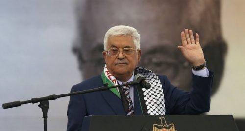 Le président palestinien Mahmoud Abbas réélu à la tête de l'OLP