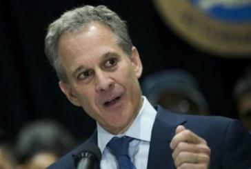 Démission du procureur général de New York à cause de quatre femmes