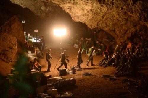 Thaïlande : Une course contre la montre pour retrouver les 12 enfants disparus dans une grotte