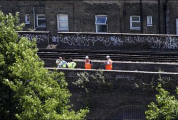 Trois personnes tuées par un train dans le sud de Londres, peut-être des graffeurs