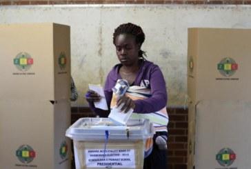 Les Zimbabwéens attendent les résultats du scrutin présidentiel
