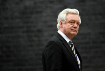 GB: le gouvernement en crise après la démission du ministre du Brexit