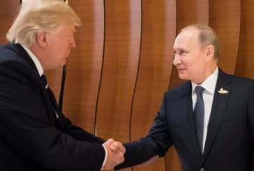 """Poutine et Trump d'accord pour poursuivre leurs contacts """"utiles"""""""
