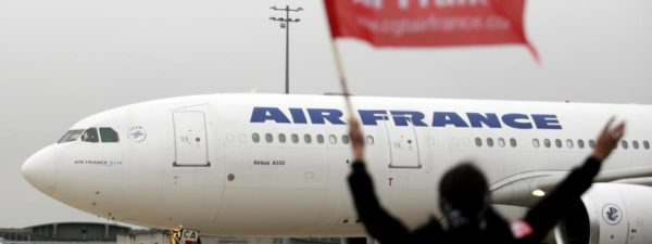 "Les syndicats d'Air France jugent ""inconcevable"" l'éventuelle nomination d'un PDG non Français"