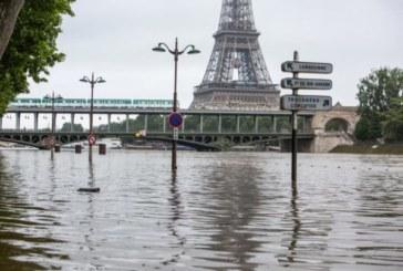 Après la canicule, la France en proie à de violents orages et aux inondations