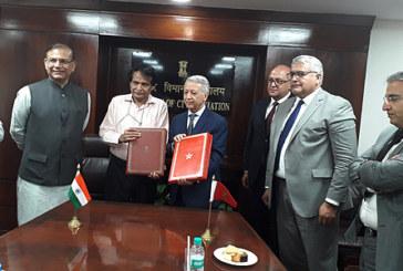 Maroc-Inde: Signature à New Delhi d'un accord pour le renforcement des services du transport aérien