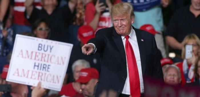 Elections de mi-mandat : Trump toujours approuvé