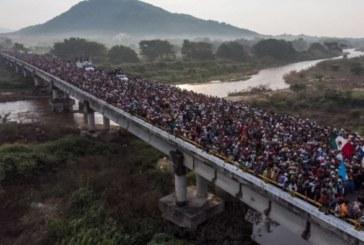 "Mexique: La ""caravane"" de migrants continue sa route vers les USA"