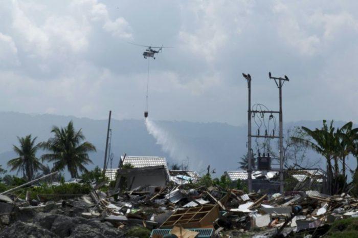 Indonésie: Des opérations de désinfection par hélicoptères de la ville de Palu