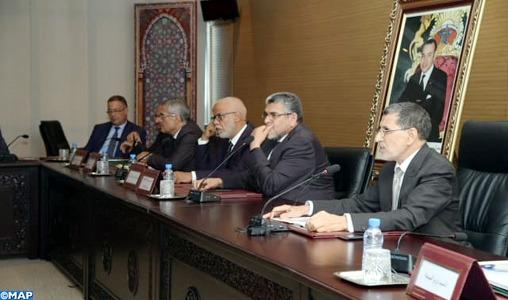 El Othmani réitère la détermination du gouvernement à communiquer avec les différentes parties pour réussir le dialogue social