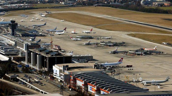Suisse: Atterrissage d'urgence d'un avion à Genève après un dégagement de fumée